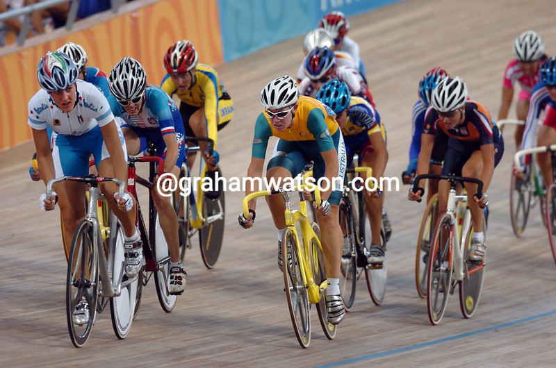 Katherine Bates leads the womens points race at the 2004 Olympic Games