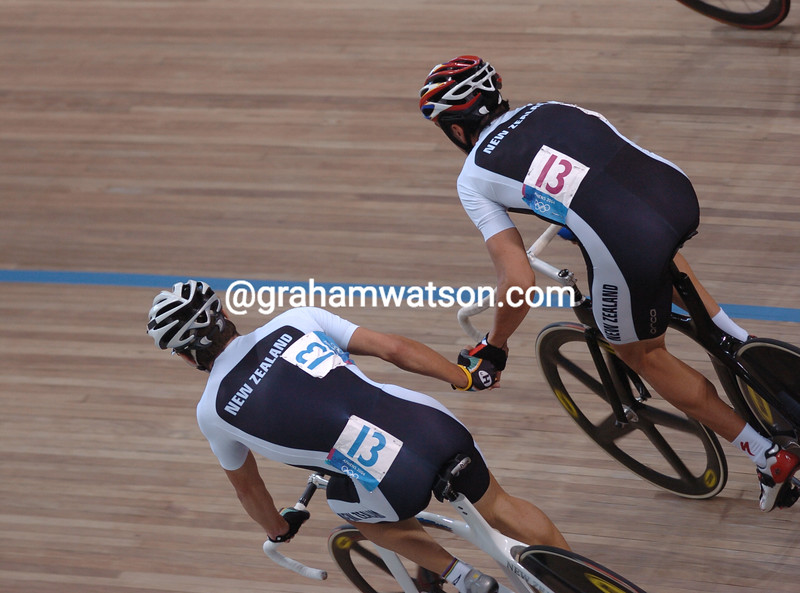 New Zealand's Hayden Roulston and Greg Henderson exchange places in the 2004 Olympic Games Madison race