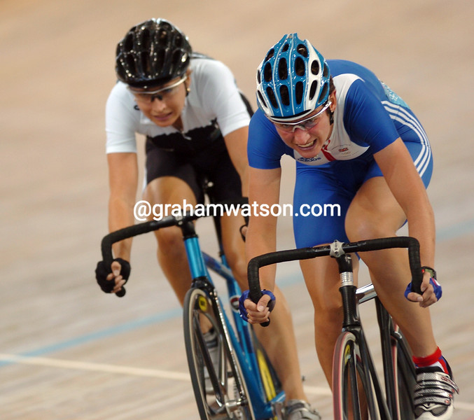Sarah Ulmer and Emma Davies in the womens points race at the 2004 Olympic Games