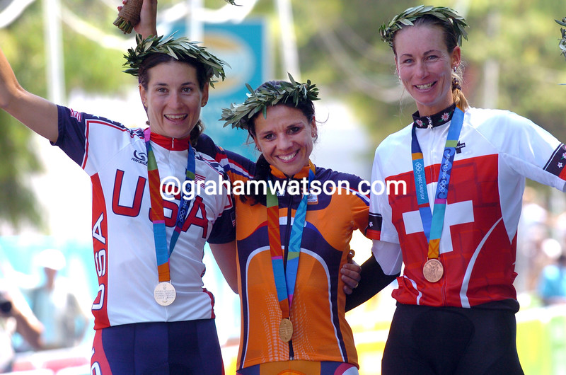 LEONTIEN VAN MOORSEL WINS GOLD MEDAL IN THE 2004 OLYMPIC GAMES TIME TRIAL FROM DEIDRE DEMET-BARRY AND KAREN THURIG