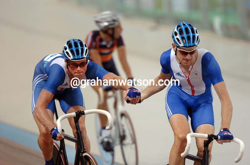 Great Britain's  Bradley Wiggins and Rob Hayles chase the silver medal in the 2004 Olympic Games Madison race