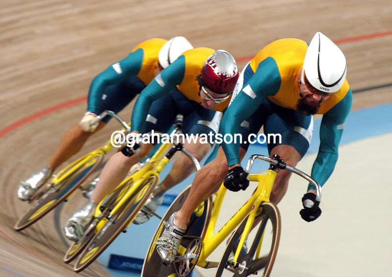 Australia races to 4th place in the Olympic sprint in the 2004 Olympic Games