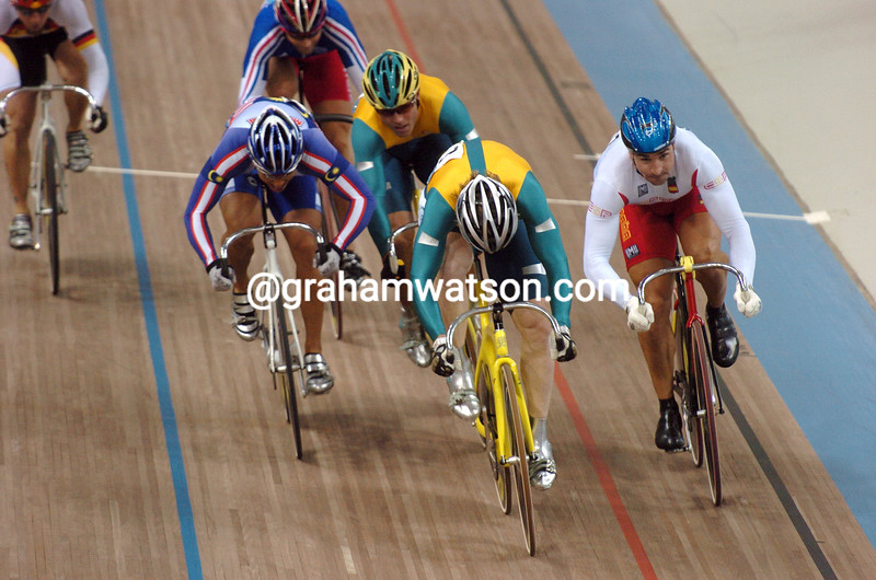 RYAN BAYLEY LEADS IN THE FINAL OF THE 2004 OLYMPIC GAMES KIERIN
