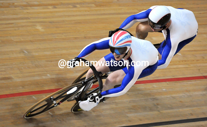 JASON KENNY AND CHRIS HOY IN THE MENS SPRINT AT THE 2008 OLYMPIC GAMES