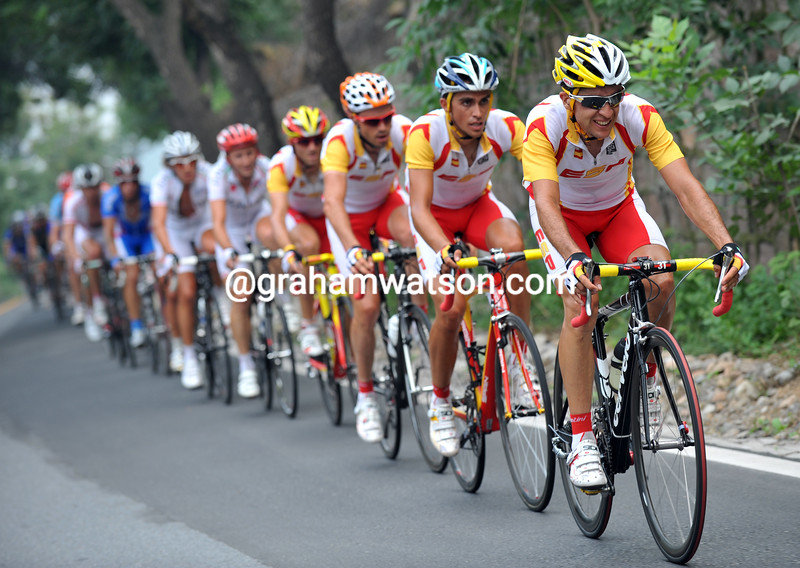 CARLOS SASTRE LEADS THE SPANISH TEAM AT THE 2008 OLYMPIC GAMES