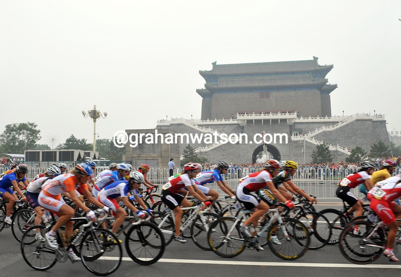 THE WOMENS ROAD RACE APPROACHES TIANEMNEN SQUARE AT THE 2008 OLYMPIC GAMES