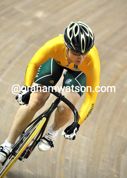 ANNA MEARES IN THE WOMENS SPRINT AT THE 2008 OLYMPIC GAMES