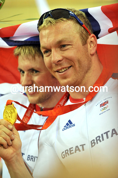CHRIS HOY AND JASON KENNY IN THE MENS SPRINT AT THE 2008 OLYMPIC GAMES