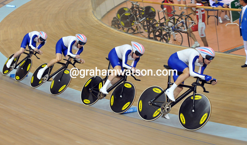 BRADLEY WIGGINS LEADS GREAT BRITAIN IN THE TEAM PURSUIT AT THE 2008 OLYMPIC GAMES