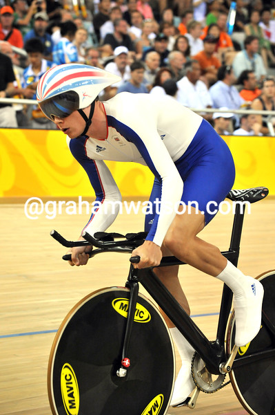 STEVEN BURKE IN THE MENS PURSUIT AT THE 2008 OLYMPIC GAMES