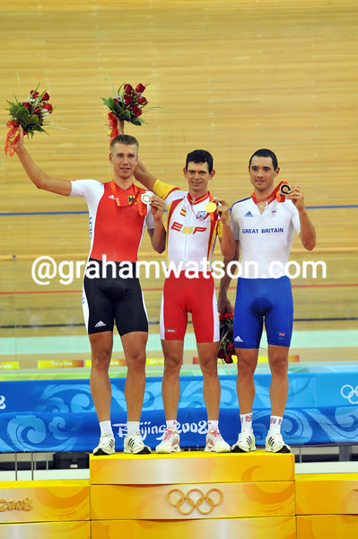 JUAN LLANERAS WINS THE POINTS RACE AT THE 2008 OLYMPIC GAMES