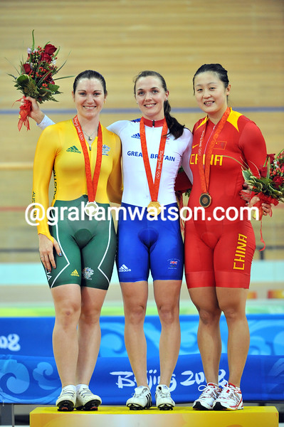 VICTORIA PENDLETON, ANNA MEARES AND GUO SHUANG IN THE WOMENS SPRINT AT THE 2008 OLYMPIC GAMES