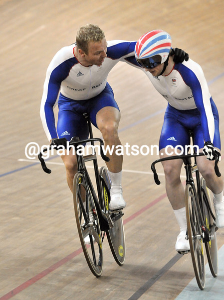 CHRIS HOY CONSOLES JASON KENNY AFTER WINNING THE MENS SPRINT AT THE 2008 OLYMPIC GAMES
