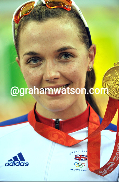 VICTORIA PENDLETON WINS THE WOMENS SPRINT AT THE 2008 OLYMPIC GAMES