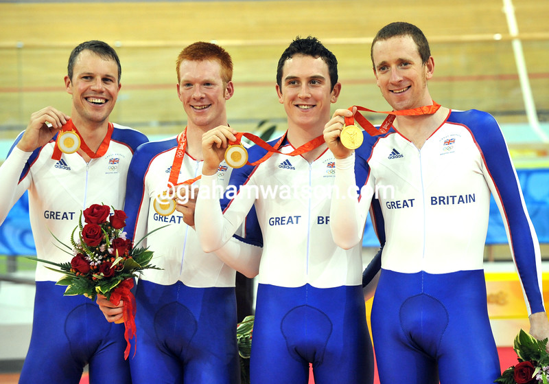 BRADLEY WIGGINS, GERAINT THOMAS, ED CLANCY AND PAUL MANNING OF GREAT BRITAIN IN THE TEAM PUSRUIT AT THE 2008 OLYMPIC GAMES
