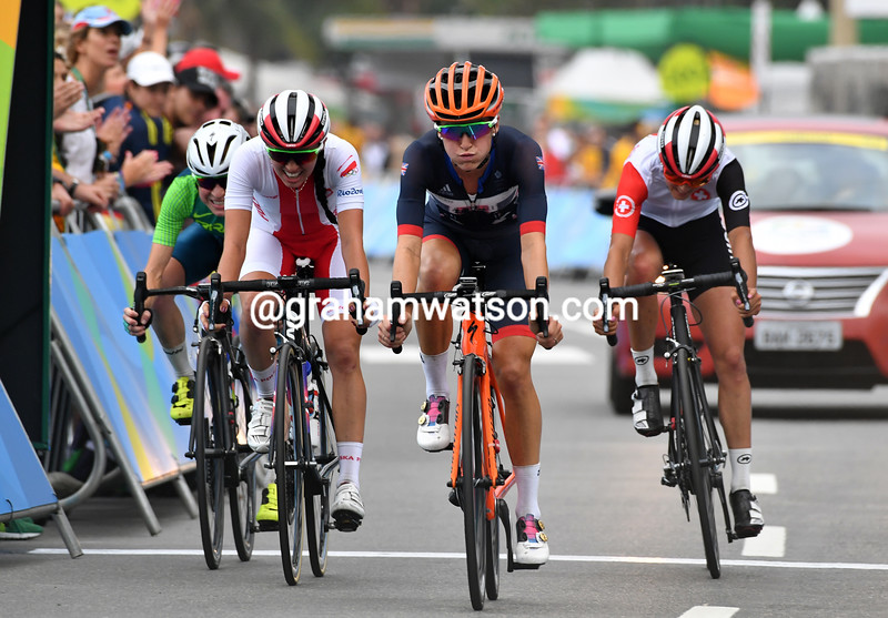 Lizzie Armitstead takes 5th place, just 20-seconds behind the medal winners
