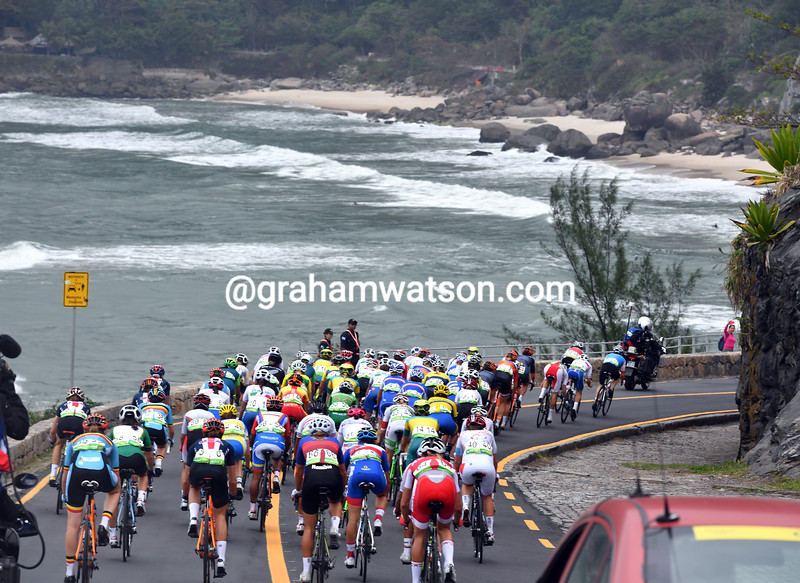 The peloton is three-minutes behind the escaper as it plunges towards a surfing beach 40-kilometres into the race...