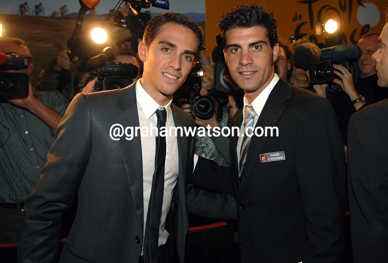 ALBERTO CONTADOR AND OSCAR PEREIRO AT THE 2008 TOUR DE FRANCE PRESENTATION