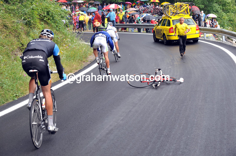 OSCAR PEREIRO BIKE LIES IN THE ROAD AFTER A CRASH ON STAGE FIFTEEN OF THE 2008 TOUR DE FRANCE