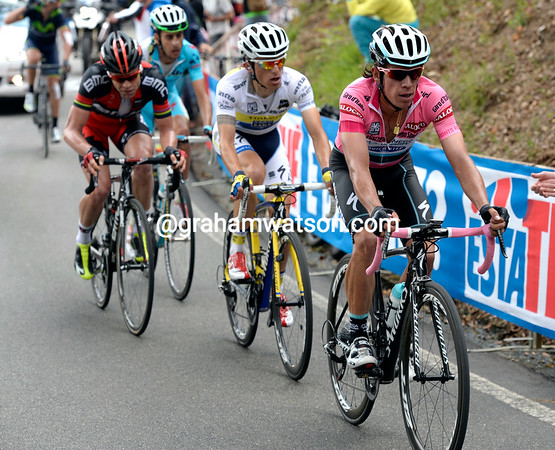 Uran leads Majka, Evans and Aru with three-kilometres left...