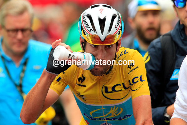 Vincenzo Nibali stays as race-leader for another day - that's worth having a drink over..!