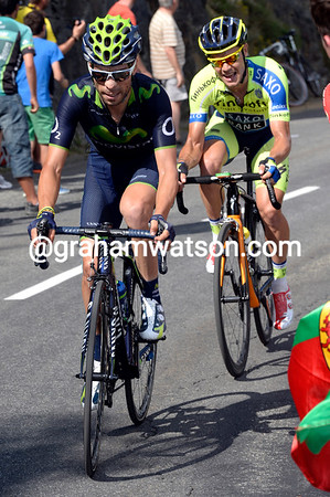 Giovanni Visconti is pulling away at the front of the race, but Nico Roche won't let him go..!