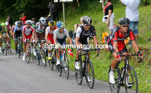 Van Avermaet and Cancellara lead a 25-man counter-attack behind Martin and De Marchi...