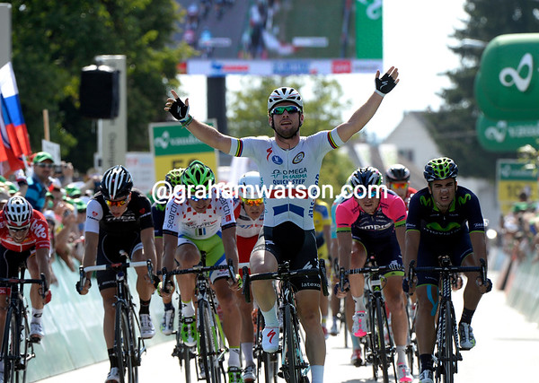 Mark Cavendish wins stage four with ease - he's as fast as he ever was.!
