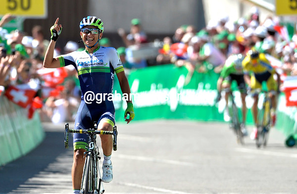 Johan Chaves wins stage eight for Orica-Green Edge - and brings another Colombian element to the sport..!