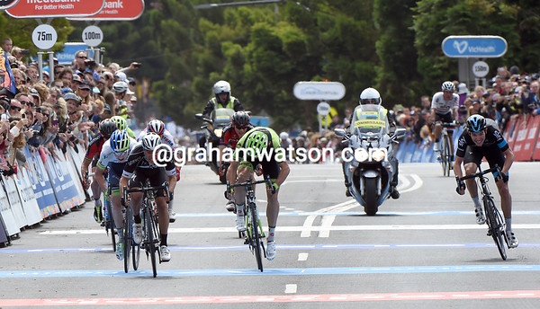 Eight riders sprint it out for the win, but Evans won't be the winner...