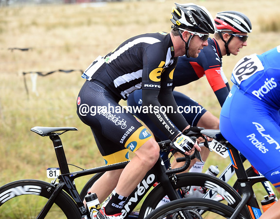 Matt Goss is trying out his new MTN-Qhubeka colours in today's race...