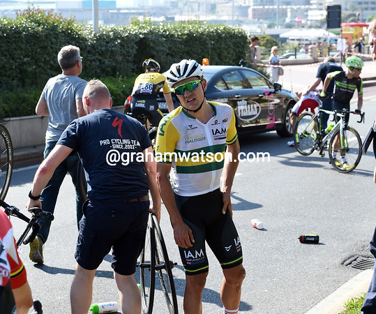Heinrich Haussler looks suitably annoyed after his second crash of the day...