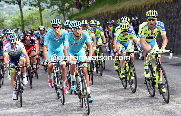 Astana and Tinkoff are duelling it out about five-minutes back...