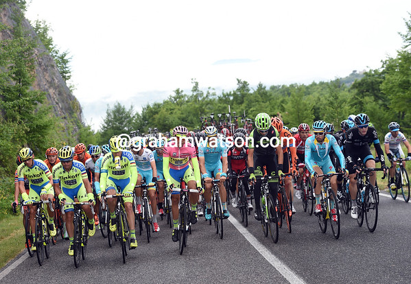 Contador orders a truce while the dropped riders get back on - there's more racing to come later-on..!
