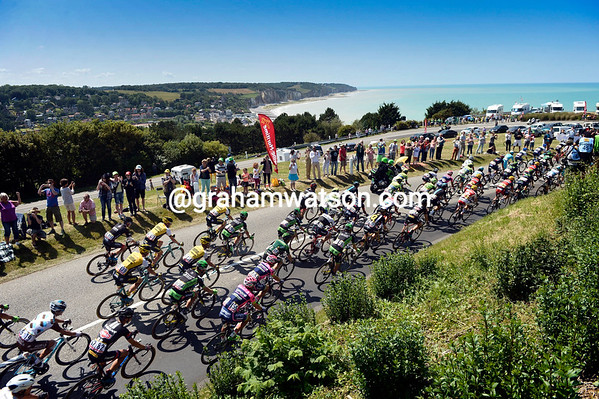The English Channel beckons as the peloton descends down to the beach at Quiberville-sur-Mer...