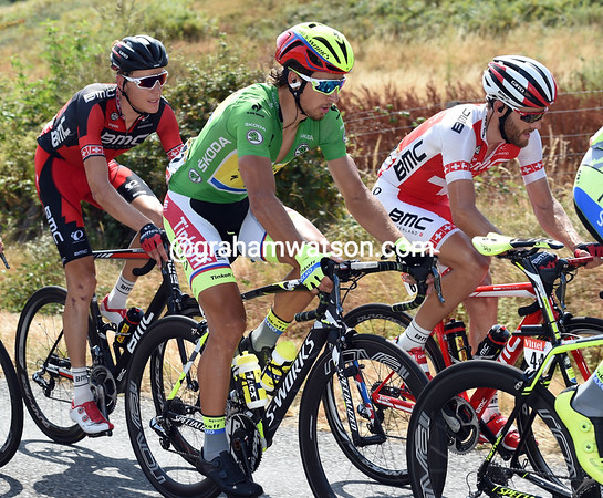 Peter Sagan is the red-hot favourite today, and he's right near the front with his Tinkoff mates...