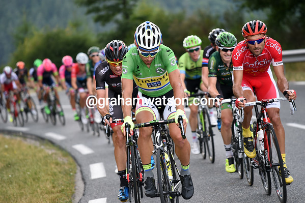 Peter Sagan seems to have the biggest interest in making this move work - there's a sprint at the halfway mark and he might even win the stage too..!