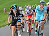 Geraint Thomas makes a surge with Jacob Fuglsang - Dumoulin has been dropped by this move...