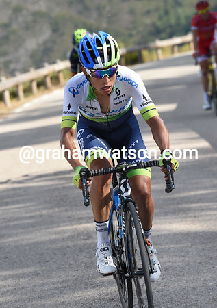 Esteban Chaves attacks now, but Valverde is chasing him down...