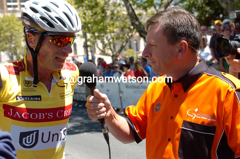 Patrick Jonker with Paul Sherwen after winning the 2004 Tour Down Under