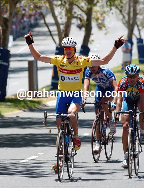 Patrick Jonker celebrates after winning the 2004 Tour Down Under