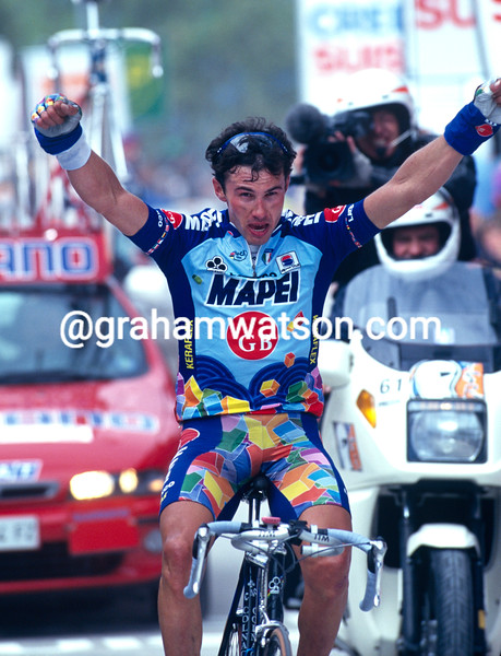 Pavel Tonkov wins a stage of the 1997 Tour de Romandie