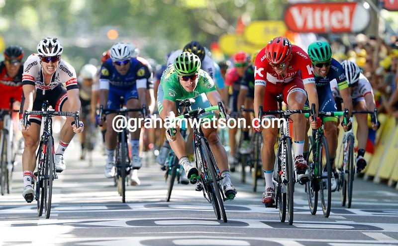Peter Sagan wins stage 16 of the 2016 Tour de France