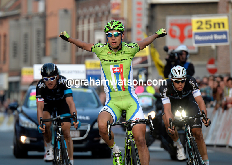 Peter Sagan wins the 2014 E3 from Thomas and Terpstra
