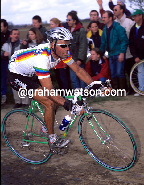 PETER VAN PETEGEM IN THE 1999 PARIS-ROUBAIX