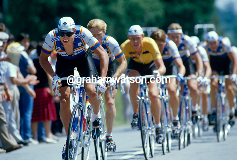 Phil Anderson leads the Panasonic team in the 1986 Tour de France