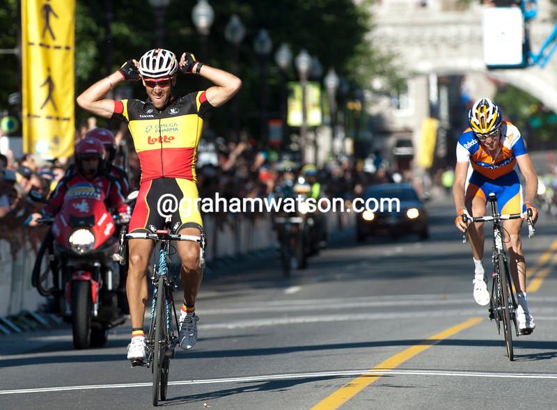 PHILIPPE GILBERT WINS THE 2011 G.P.CYCLISTE DE QUEBEC