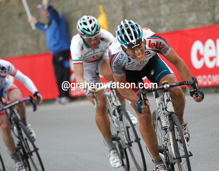 PHILIPPE GILBERT ATTACKS IN THE 2010 MILAN SAN REMO
