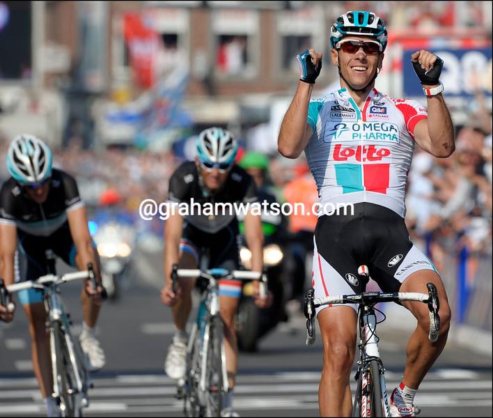 PHILIPPE GILBERT WINS THE 2011 LIEGE-BASTOGNE-LIEGE