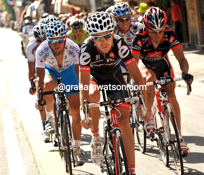 PHILLIP DEIGNAN LEADS AN ESCAPE ON STAGE FOURTEEN OF THE 2009 GIRO D'ITALIA